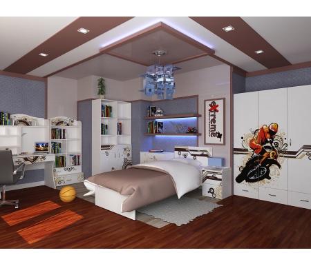 Детская комната Экстрим (Extreme) (комплектация 2)Готовые наборы<br>Детская комната Экстрим (Extreme) станет чудесным подарком для ребенка. <br> <br>  В конструкции мебели применяется ДСП немецкого производства, покрытая современными эмалями, благодаря которым за поверхностями мебели легко ухаживать. Для производства используются исключительно экологически чистые материалы. <br>    <br>   <br>    Рисунки нанесены акриловыми красками - они не выгорают на солнце и ребенок их никак не отклеит, это безопасный материал.<br>   <br> <br>   В комплект входят: кровать, комод, тумба, стеллаж узкий, стеллаж широкий, трехдверный шкаф и стол.<br><br>Размер спального места: 90 см х 160 см<br>Габариты кровати 90 х 160: 97 см х 165,2 см<br>Размер спального места: 90 см х 190 см<br>Габариты кровати 90 х 190: 97 см х 195,2 см<br>Высота кровати: 101,1 см<br>Тумба: 40,2 см х 40,2 см х 57,7 см<br>Шкаф: 137,7 см х 60 см х 196,7 см<br>Стол: 100 см х 60 см х 161,1 см<br>Комод: 75,2 см х 40,2 см х 81,7 см<br>Стеллаж (узкий): 45,2 см х 36,6 см х 196,7 см<br>Стеллаж (широкий): 75,2 см х 36,8 см х 161,1 см<br>Материал: ДСП<br>Цвет корпуса: белый