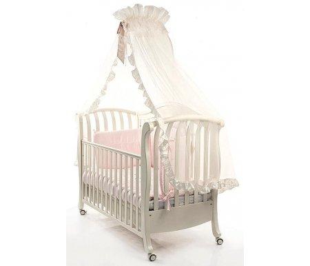 Кровать Bambolina Divina белаяКроватки для новорожденных<br>Кроватка украшена превосходной и стильной резьбой, она безупречно впишется в интерьер любой детской комнаты. Материалы, из которых изготовлена кроватка, соответствуют всем европейским критериям качества. Безопасное расстояние между ламелями позволит не переживать за ребенка. К такой кроватке легко подобрать любые аксессуары. Например, одеяло, пледы для кормления малыша, подушки. Вы можете не переживать за здоровье своего ребенка. Конструкция надежная, удобная и эргономичная.<br> <br><br> <br>Изделие не занимает слишком много места, но при этом оно довольно вместительное. Кроватка трансформер позволит использовать ее не только по целевому назначению, но и как маленький диванчик. Будьте уверены, она прослужит вам максимально долгое время. А ваш малыш будет сладко засыпать в современной и необыкновенно красивой кроватке от известной итальянской компании Bambolina. Настоящее европейское качество по недорогим ценам!<br> <br>Кроватка изготовлена из натурального высококачественного бука. При этом она может легко трансформироваться в удобный и милый диванчик, так как бортик полностью снимается или регулируется по высоте. Ложе может регулироваться по высоте на два уровня, колесики блокируются при надобности. Покрытие лаком абсолютно безвредное и нетоксичное. Многие мамы сталкиваются с проблемой хранения белья и одежды. В кроватке для этих целей предусмотрен удобный и вместительный шкафчик. <br>  <br> <br>  <br> Сделайте сон своего ребенка счастливым вместе с кроватками Bambolina.Обратите внимание на великолепные и функциональные кроватки от итальянской компании Bambolina. Настоящее европейское качество по приятным и доступным ценам для самых требовательных и взыскательных родителей. В концепции изделий воплотилась многофункциональность, изящество, необыкновенная красота в лучших традициях ведущих мебельных домов солнечной Италии.<br> <br><br> <br><br> <br>Компания Bambolina ориентируется на запросы родителей, которы