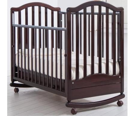 Кровать детская на колесиках с дугой для качания Лейла махагонКроватки для новорожденных<br>Детская кроватка Лейла имеет дуги-полозья для раскачивания, а так же две пары съемных колесиков для более легкого перемещения кроватки в комнатном пространстве. Изготовлена из массива бука и ДСП.<br>