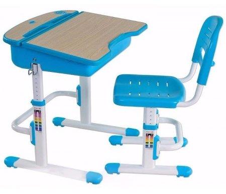 Комплект Capri blueРастущие<br>Материалы изделия: экологически чистый МДФ, экологически чистый полипропилен.<br> <br>В комплект входят: стол, стул, подстаканник, крючок для портфеля, складная подставка для книг.<br> <br> <br>  <br> <br> Парта-трансформер серии Capri – это удобный и функциональный набор детской учебной мебели. <br>Стол и стул настраиваются по высоте в зависимости от роста ребенка. <br>  Стул имеет ортопедическую форму сиденья и регулируемую по высоте спинку, что обеспечивает правильную посадку и комфорт даже при длительном пребывании ребенка за столом.<br> <br>  Угол наклона столешницы можно легко менять с помощью механизма газлифта.<br> <br>  Под столешницей имеется вместительный ящик для хранения письменных принадлежностей, а задняя часть стола играет роль полки.<br> <br>  Парта имеет современный дизайн и доступна в нескольких цветовых вариантах.<br> <br>   <br>    <br>   <br> <br>  Характеристики:<br> <br>   <br>    <br>   <br> <br>  •Возможность настраивать высоту парты по росту ребенка.<br> <br>  •Регулировка высоты спинки стула и наклона рабочей поверхности столешницы.<br> <br>  •Для детей от 3 до 12 лет.<br> <br>  •Наличие крючка для рюкзака сбоку и встроенной емкости для карандашей и ручек помогает привить ребенку аккуратность при работе за письменным столом.<br> <br>  •Вспомогательная шкала роста на ножках парты позволит легко изменить высоту стула или стола под рост ученика.<br>