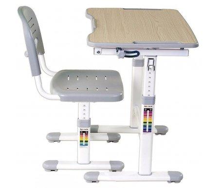 Комплект Piccolino II greyРастущие<br>Материалы изделия: экологически чистый МДФ, экологически чистый полипропилен.<br> <br>В комплект входят: стол, стул,подстаканник, крючок для портфеля.<br> <br> <br>  <br> <br> Правильная посадка ребенка за столом, особенно на длительное время, к примеру, для выполнения домашнего задания - залог его здоровой осанки и успешного обучения.<br><br>  <br><br><br>Комплект Piccolino II позволит ребенку спокойно и удобно писать, рисовать или читать, не отвлекаясь на неудобство.<br><br>В набор входят стул и стол, каждый из которых можно оптимально настроить по высоте в зависимости от роста ребенка.<br><br>Столешница поднимается, что обеспечивает удобный угол наклона рабочей поверхности для чтения или письма.<br><br><br>  <br><br><br>Характеристики:<br><br><br>  <br><br><br>•Безопасные округлые формы предупреждают случайные травмы ребенка.<br><br>•Матовая поверхность стола не напрягает зрение.<br><br>•Для детей 3-10 лет.<br><br>•Сбоку имеется крючок для рюкзака и стакан для хранения письменных принадлежностей, что помогает избежать беспорядка и удобно организовать рабочее место школьника.<br><br>•Отверстия в сиденье обеспечивают проникновение воздуха в жаркое время.<br><br>•Шкала соответствия роста ребенка к высоте парты поможет наиболее точно настроить высоту стола и стула.<br><br>•Регулируемая высота спинки стула обеспечивает качественную поддержку спины ребенка.<br>