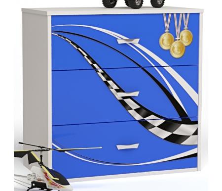 Комод Формула с белой крышкой (Formula)Комоды<br>Комод Формула (Formula) предназначен для хранения вещей и постельного белья в детской комнате. Дизайн комода выполнен в спортивной теме, в духе гонок и машин.   <br><br> В конструкции мебели применяется ДСП немецкого производства, покрытая современными эмалями, благодаря которым за поверхностями мебели легко ухаживать. Для производства используется исключительно экологически чистые материалы. <br><br> <br> Рисунок нанесен акриловыми красками - они не выгорают на солнце и ребенок их никак не отклеит, это безопасный материал. <br> У комода нет ножек, что предотвращает скопление пыли под ним.  <br><br> Комод имеет три выдвижных ящика.<br><br>Ширина: 75,2 см<br>Глубина: 40,2 см<br>Высота: 81,7 см<br>Материал: ДСП<br>Цвет корпуса: белый<br>Цвет фасада: синий, красный, оранжевый, белый