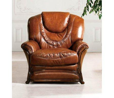 Кресло A-67Кресла<br>Кресло выполнено в обивке из натуральной кожи коричневого цвета. Кресло украшают фигурные элементы из массива дерева и пышная прострочка, образующая приятный рельеф.<br><br>Ширина: 95 см<br>Глубина: 90 см<br>Высота: 105 см<br>Материал обивки: натуральная кожа<br>Цвет обивки: коричневый (SWH 49)