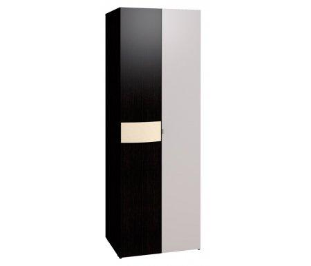 Шкаф двухдверный для одежды Амели 11 венгеШкафы<br>На фасаде двери имеется гнутая ручка, обтянутая винилкожей цвета топленого молока.<br>