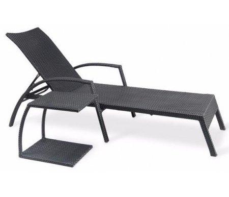 Шезлонг-лежак со столиком A30 / AT30AШезлонги<br>Красивый и практичный шезлонг с маленьким аккуратным столиком из искусственного ротанга. Спинка лежака регулируется и имеет 5 положений.<br> <br>Это идеальный вариант на лужайку, в сад или к бассейну, вы будете наслаждаться отдыхом на природе и ничто вам не помешает.<br> <br>Максимально допустимая нагрузка: 180 кг.<br><br>Длина шезлонга: 200 см<br>Ширина шезлонга: 70 см<br>Высота шезлонга: 91 см<br>Длина стола: 41 см<br>Ширина стола: 36 см<br>Высота стола: 45 см<br>Материал: сталь / искусственный ротанг<br>Цвет: black
