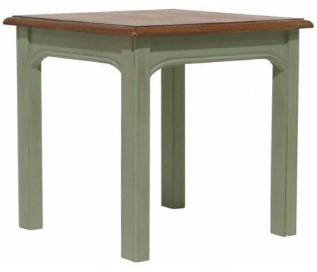 Консоль Olivia средняя (GC2003/2)Консольные столы<br>Консоль Olivia изготовлена из натурального дерева по разработкам французских дизайнеров. Модель выполнена в кантри стиле и отлично впишется в интерьер, созданный из одноименной коллекции мебели Olivia.<br><br>Ширина: 47 см<br>Глубина: 42 см<br>Высота: 46 см<br>Материал: массив березы<br>Цвет: оливковый