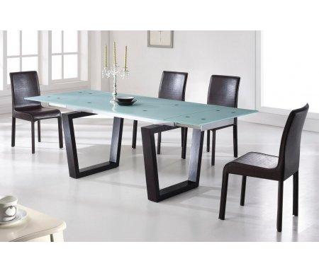 Cтол EV306 венгеСтолы<br>Каркас стола EV306 изготовлен из дерева цвета венге, столешница выполнена из прозрачного закаленного стекла. Стол обладает очень удобным и простым в использовании механизмом раскладки. <br>За разложенным столом можно разместить до 10 персон.<br><br>Длина: 150 см (раскладывается до 220 см)<br>Ширина: 90 см<br>Высота: 76 см<br>Материал каркаса: дерево<br>Цвет каркаса: венге<br>Материал столешницы: закаленное стекло<br>ДЕФЕКТ: незначительный дефект<br>Количество: 1 шт.