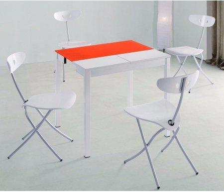 Стол 2221-2Стекло + дерево<br>Стол 2221 идеально подойдет для маленьких кухонь в современном стиле. Каркас стола выполнен из массива гевеи и покрыт белым лаком. Столешница - закаленное стекло оранжевого цвета, вставка из МДФ белого цвета.<br><br>Длина: 43 см (раскладывается до 70 см)<br>Ширина: 80 см<br>Высота: 75 см<br>Материал каркаса: массив гевеи<br>Цвет каркаса: белый<br>Материал столешницы: закаленное стекло<br>Цвет столешницы: оранжевый<br>Материал вставки: МДФ<br>Цвет вставки: белый