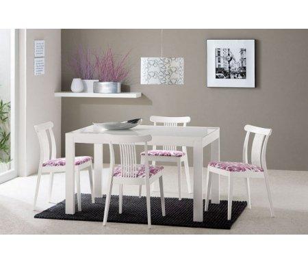Стол NEW SMART  70 х 110 см белый лак / стекло опаловоеСтекло + дерево<br>Каркас стола изготовлен из массива дерева, столешница - закаленное стекло. Стол обладает удобным механизмом раскладки.<br> <br> <br>  <br> <br> <br>Приятная особенность стола NEW SMART - стекло столешницы располагается на дереве, что значительно приглушает звуки (допустим, когда вы ставите на стол тарелку или чашку), а ведь именно из-за этого люди чаще всего отказываются от стеклянных столов.<br>