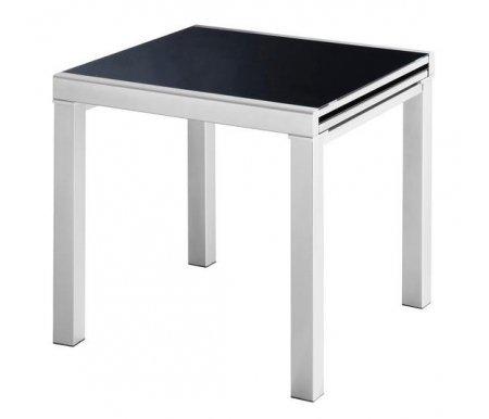 Стол 4001Стеклянные столы<br>Каркас стола 4001 изготовлен из матового металла, столешница выполнена из черного закаленного стекла. Стол обладает удобным механизмом раскладки, способной увеличить полезную площадь стола в два раза. <br>За разложенным столом можно разместить до 8 человек.<br><br>Длина: 75 см (раскладывается до 150 см)<br>Ширина: 75 см<br>Высота: 75 см<br>Материал каркаса: матовый металл<br>Цвет каркаса: серебристый<br>Материал столешницы: закаленное стекло<br>Цвет столешницы: черный