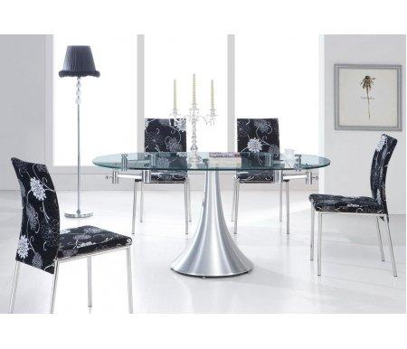Стол T017Стеклянные столы<br>Основание стола T017 изготовлено из матового металла, столешница выполнена из прозрачного закаленного стекла. Особенностью этого стола является его раскладка - из компактного прямоугольного он превращается в овальный.<br>За разложенным столом можно разместить до 8 человек.<br><br>Длина: 100 см (раскладывается до 160 см)<br>Ширина: 94 см<br>Высота: 76 см<br>Материал каркаса: матовый металл<br>Материал столешницы: закаленное стекло