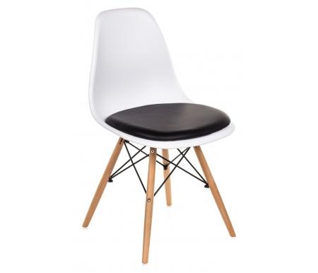 Стул Eames PC-011 белый / черныйДеревянные стулья<br>Расстояние между передними ножками 42 см.<br>Расстояние между ножками сбоку 42 см.<br>Материал: полипропилен (в отличии от обычного пластика ABS).<br>